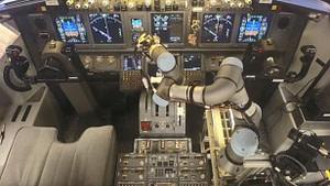cobot-pilotando-aviones