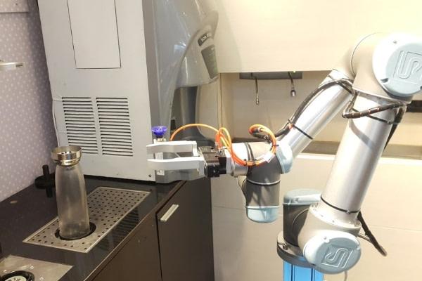 Los robots colaborativos en el dia internacional del cafe