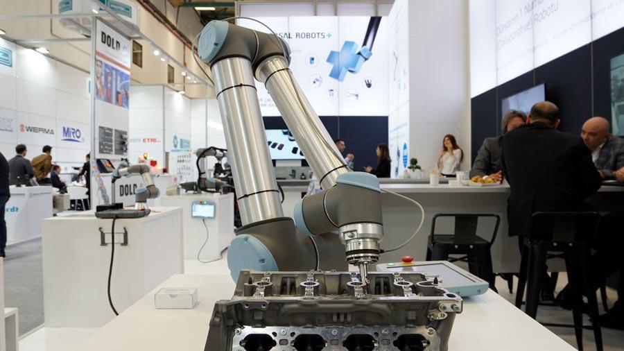 ¿Por qué la automatización con cobots es crucial para la competitividad de las empresas?